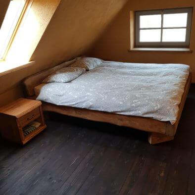 Kaheinimese voodiga tuba